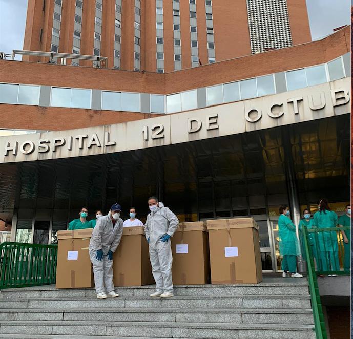 Las máscaras del crowdfunding llegan por miles a Madrid y suministran IFEMA. Las pantallas de protección de Luzán alcanzan las 150.000 y las piezas de Podoactiva nutren hospitales de España