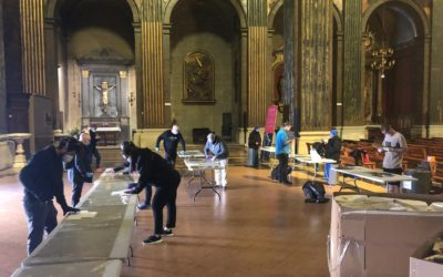 """Tecmolde bate el récord de fabricación diaria con 35.000 máscaras. La Catedral de Vic se convirtió en """"taller"""" para el montaje de las piezas de Concahusa con el obispo al mando."""